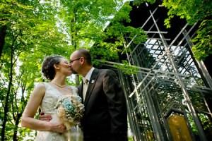 thorn crown chapel wedding in eureka springs