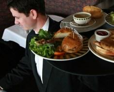 Ζητείται άμεσα σερβιτόρος στο Karlsruhe, Γερμανία.