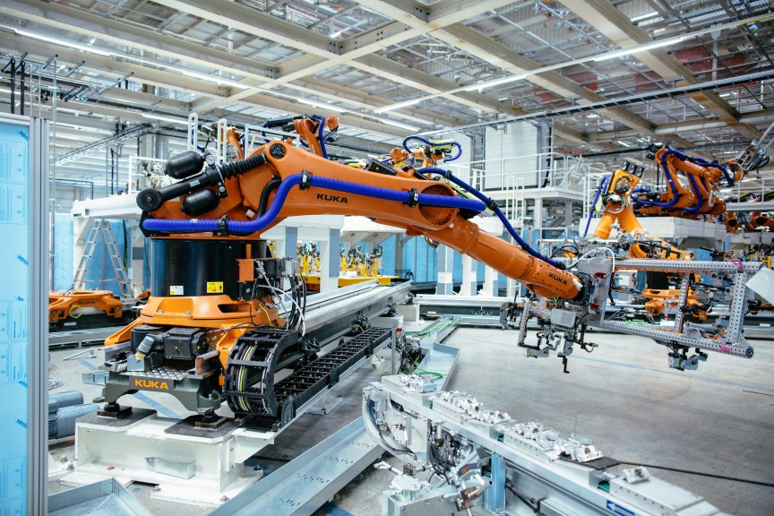 Installation of new robots: Volkswagen invests €1.2 billion at the Zwickau plant.
