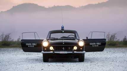 1962-ferrari-250-gte-2-2-police-car