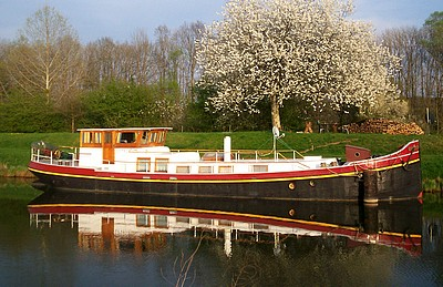 Our namesake barge, looks  good - as it should with such an association!