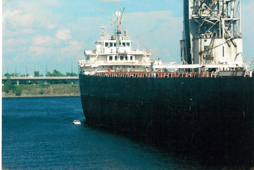When we feel intimidated by commercial barges now, we realise we have nothing to compare to Jonathon's experience here!