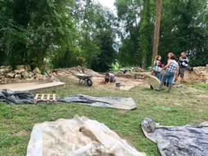 Students working on the diggings