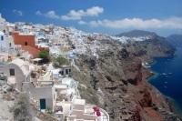 Греческий остров Санторини — любимый остров туристов в Европе