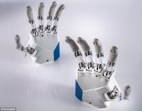 Европейские ученые научили бионический протез чувствовать