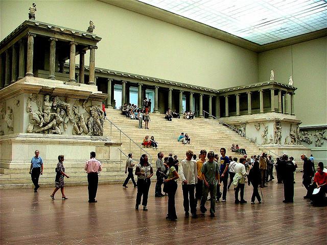 Пергамский алтарь в Берлине покажут в последний раз