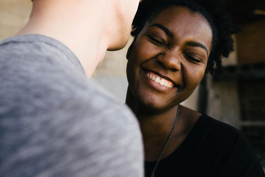 Для 80% европейцев в партнере важнее не внешность, а личность