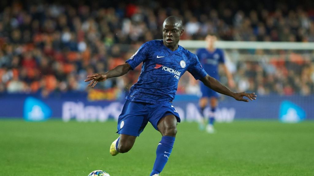 Kante back working out at Chelsea training after expressing coronavirus concerns - sources