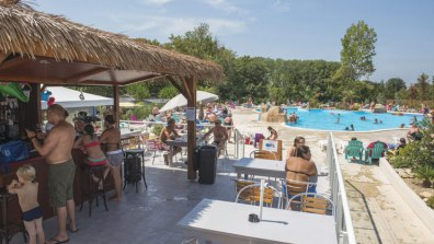 WM034-argeles-plage-la-chapelle-campsite-roussillon-bar-a_tcm13-62639