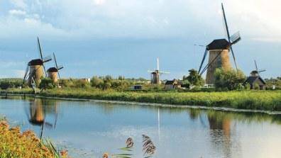 holland-kinderdijk-windmills_tcm13-20941