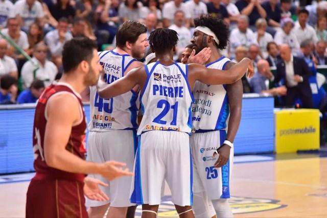 La Dinamo Sassari non si arrende e firma il 2-2 nella serie