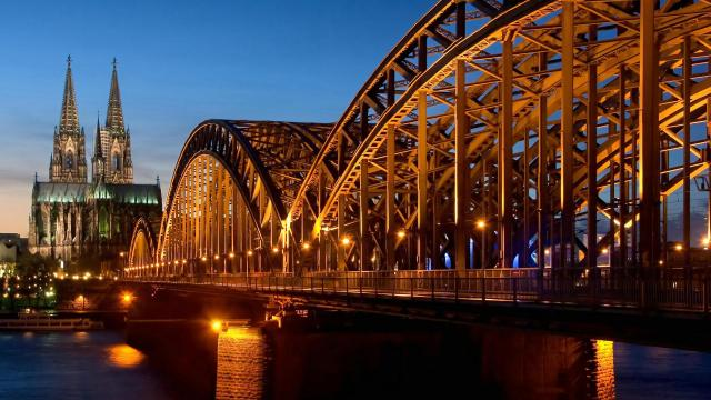 cologne-cathedral-hohenzollern-bridge