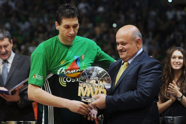 dimitris-diamantidis-mvp-panathinaikos-champ-final-four-barcelona-2011-eb10