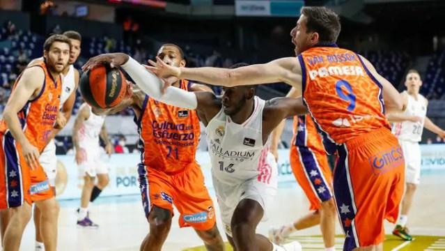 Real-Valencia (G1): la ferocia dei blancos si abbatte sui taronja