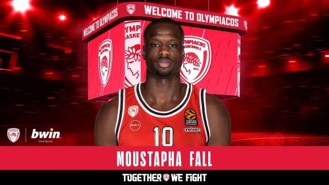 L'Olympiacos firma Fall