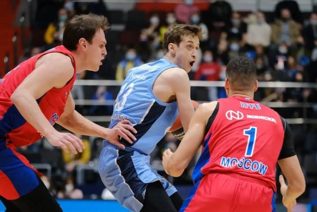 Dmitry Khvostov lascia lo Zenit