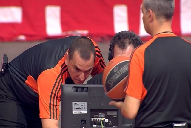 """Eurolega, cosa cambia con l'introduzione del """"challenge"""" sulle chiamate arbitrali?"""
