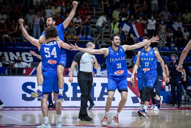 Italbasket, è il trionfo di Meo e di 12 ragazzi che sono una squadra
