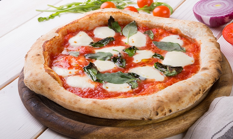 comidas-europeias-brasil-pizza