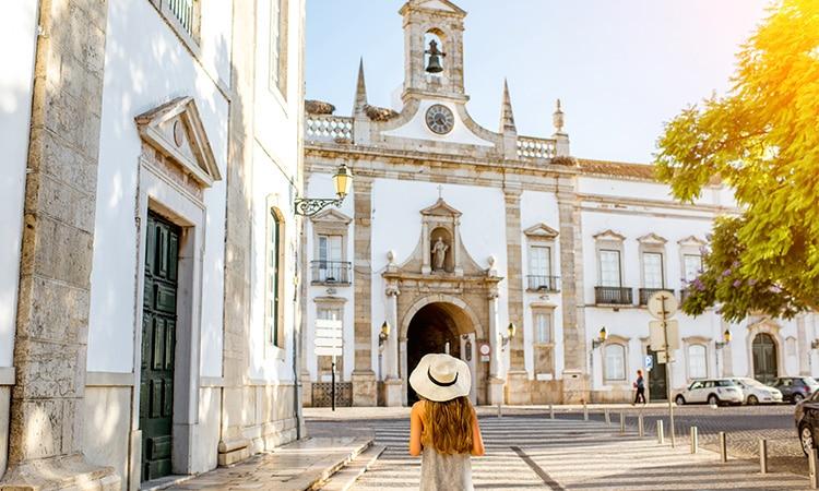 como residir legalmente em portugal igreja