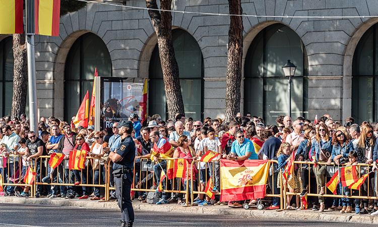 feriados na espanha mercado de natal parada militar