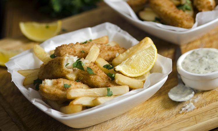 Fish and chips são comidas típicas da Irlanda
