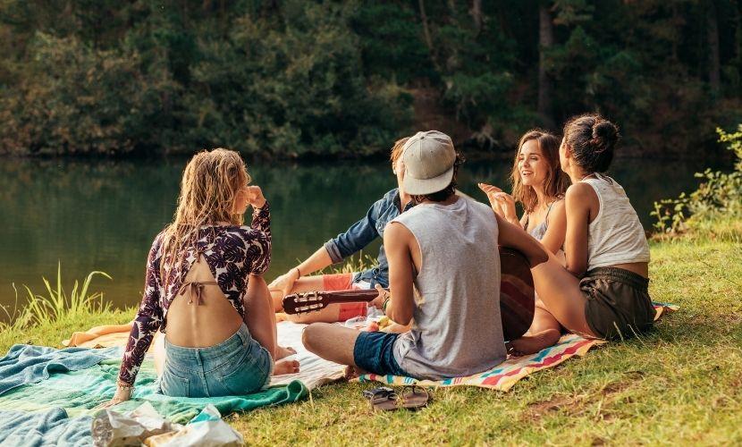 Grupo de amigos em Portugal