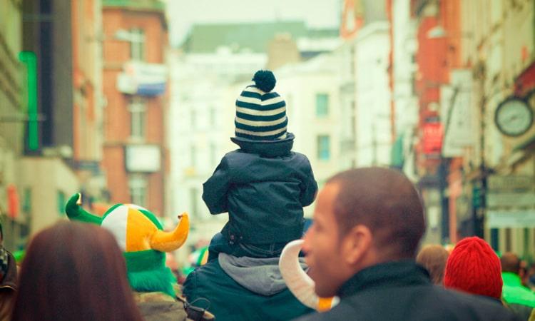 Licença maternidade e paternidade remunerada na Suécia