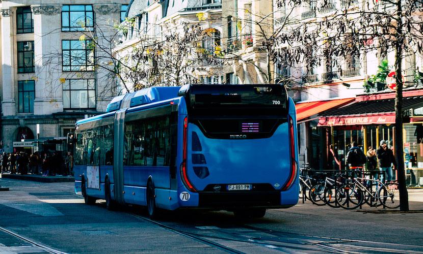 ônibus transportes públicos na França