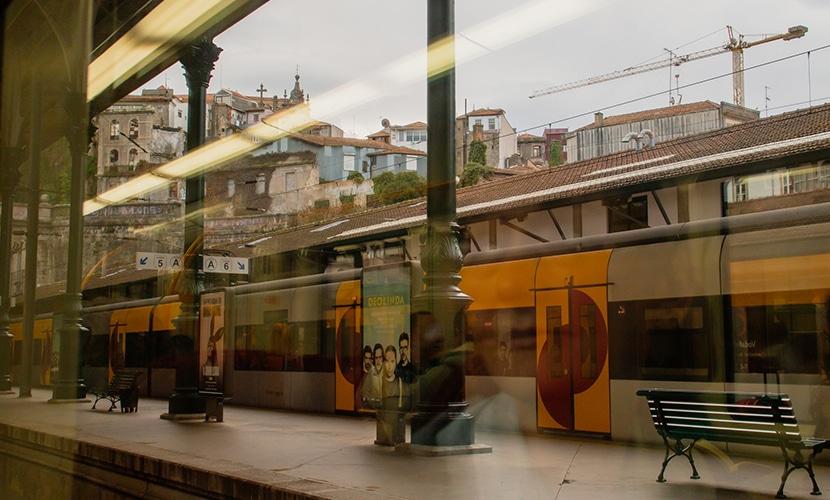 trem arredores do Porto