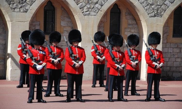 troca da guarda na Inglaterra
