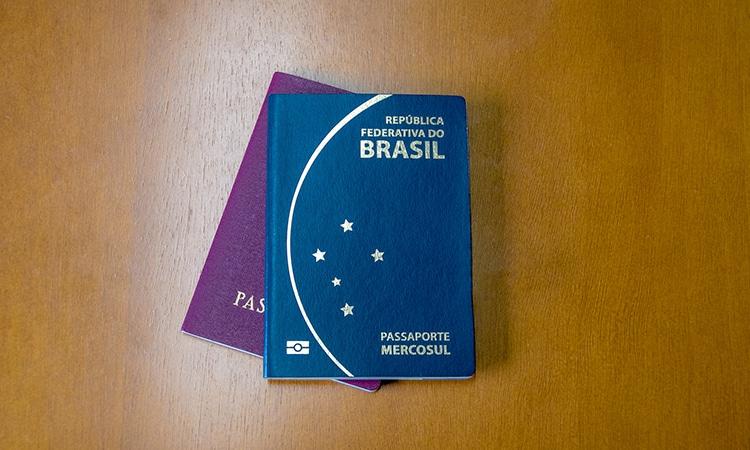 viajar com passaporte brasileiro e italiano