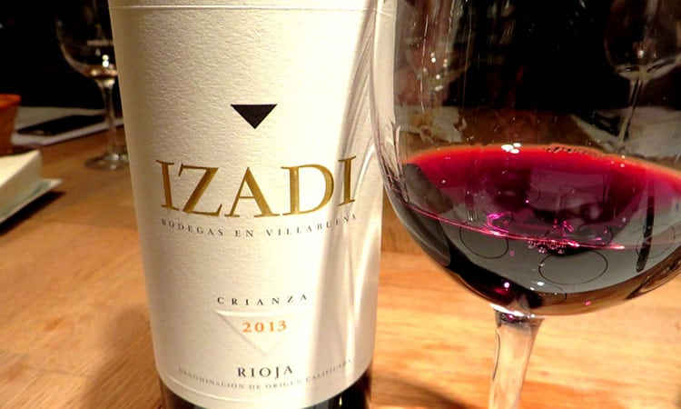 Vinho Izadi, crianza da Rioja