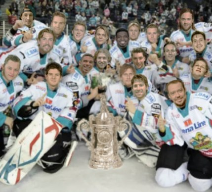 Giants win cup on road2