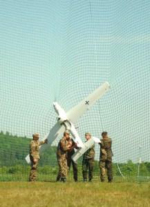 Soldiers of the German Army retrieve the German UAV – Luna. Photo source.