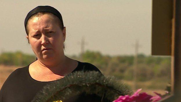 Oksana, Konstantins Schwester, sah ihren Bruder zuletzt im Juni (alle Fotos vom Beitrag auf BBC)