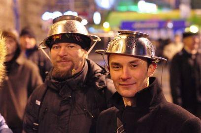 Wenn man verhaftet wurde, weil man einen Helm trug…