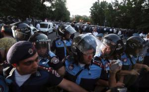 Riot police facing the protesters in Yerevan, Armenia. 22 June 2015. (Image: Hrant Khachatryan, svpressa.ru)