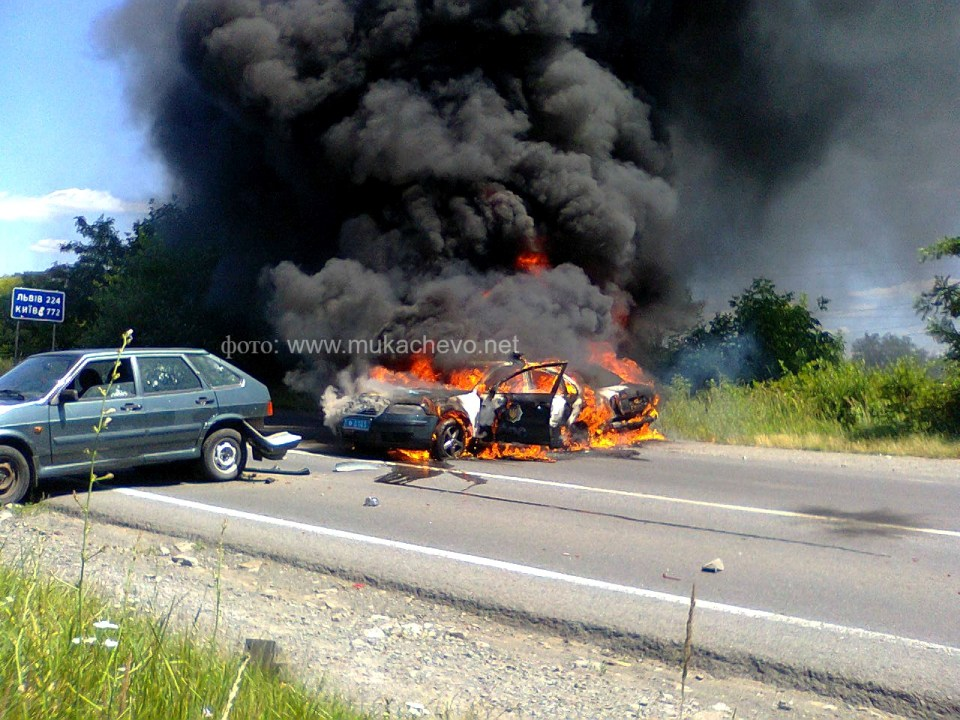 Police car burning in Mukacheve