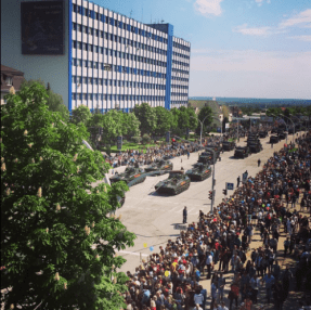 A parade of weapons prohibited by the Minsk agreements in occupied Luhansk, 9 May 2016. Photo: twitter.com/loogunda