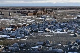 Fuel and chemical barrels abandoned in the Russian Far North (Image: social media)