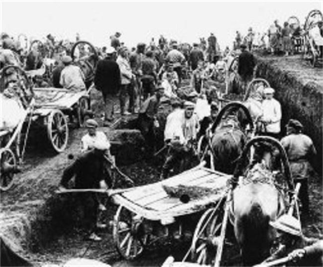 Solovki prisoners at work