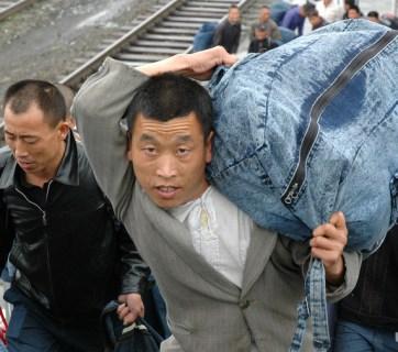 Chinese migrants in Chelyabinsk, Russia (Image: ura.ru)