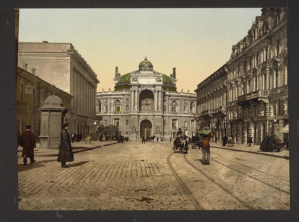 Rue de Richelieu in Odesa, Ukraine circa 1890-1900. Image: Detroit Publishing Company via the Library of Congress