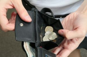 Russia, wallet, rubles, income, poverty, economy, poor (Image: AiF)
