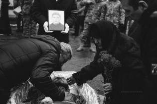 Taken by Andrew Kravchenko, these stark black-and-white photos of the memorial service on February 1 in Kyiv for Ukrainian soldiers killed in and around Avdiyivka on January 29-30 convey the grief of all Ukrainians and their respect and gratitude before these Heroes, who made the ultimate sacrifice defending Ukraine from the Russian military aggression.
