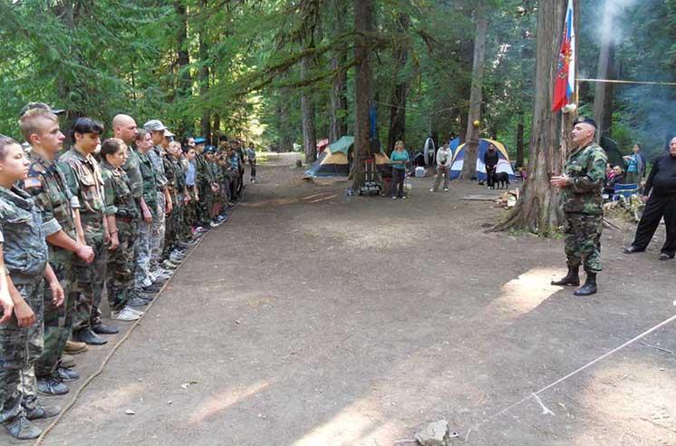 Al zecelea bootcamp anual paramilitar rus organizat în ziua trupelor aeriene ruse. Oregon, SUA, 2015 (Imagine: slavicsac.com)