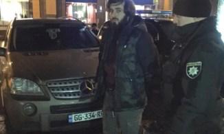 Timur Makhauri being detained by the police. Kyiv, January 2017. Photo: FB KyivOperative