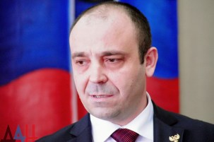 "Andrey Darkovsky, ""mayor"" of Snizhne. Photograph: DAN"