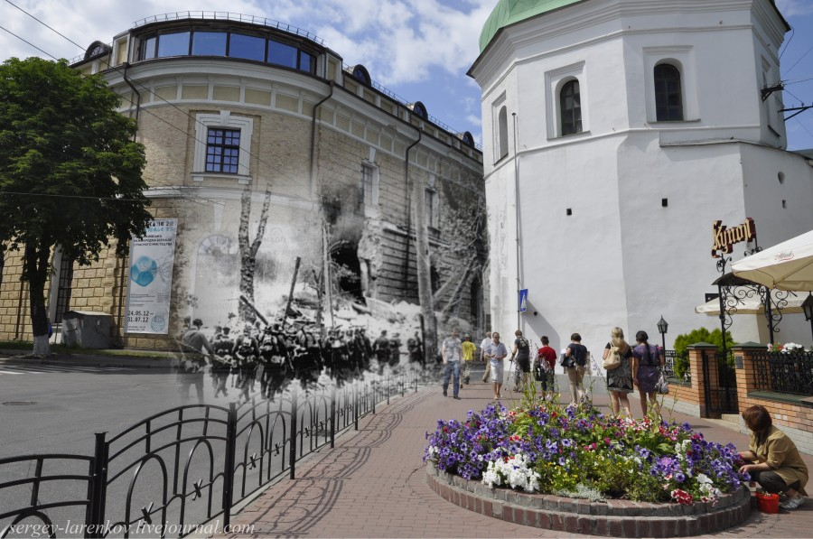 Kyiv 1941/2012 German infantrymen entering the city near the blown-up building of the Arsenal. Collage: Sergey Larenkov (Livejournal)